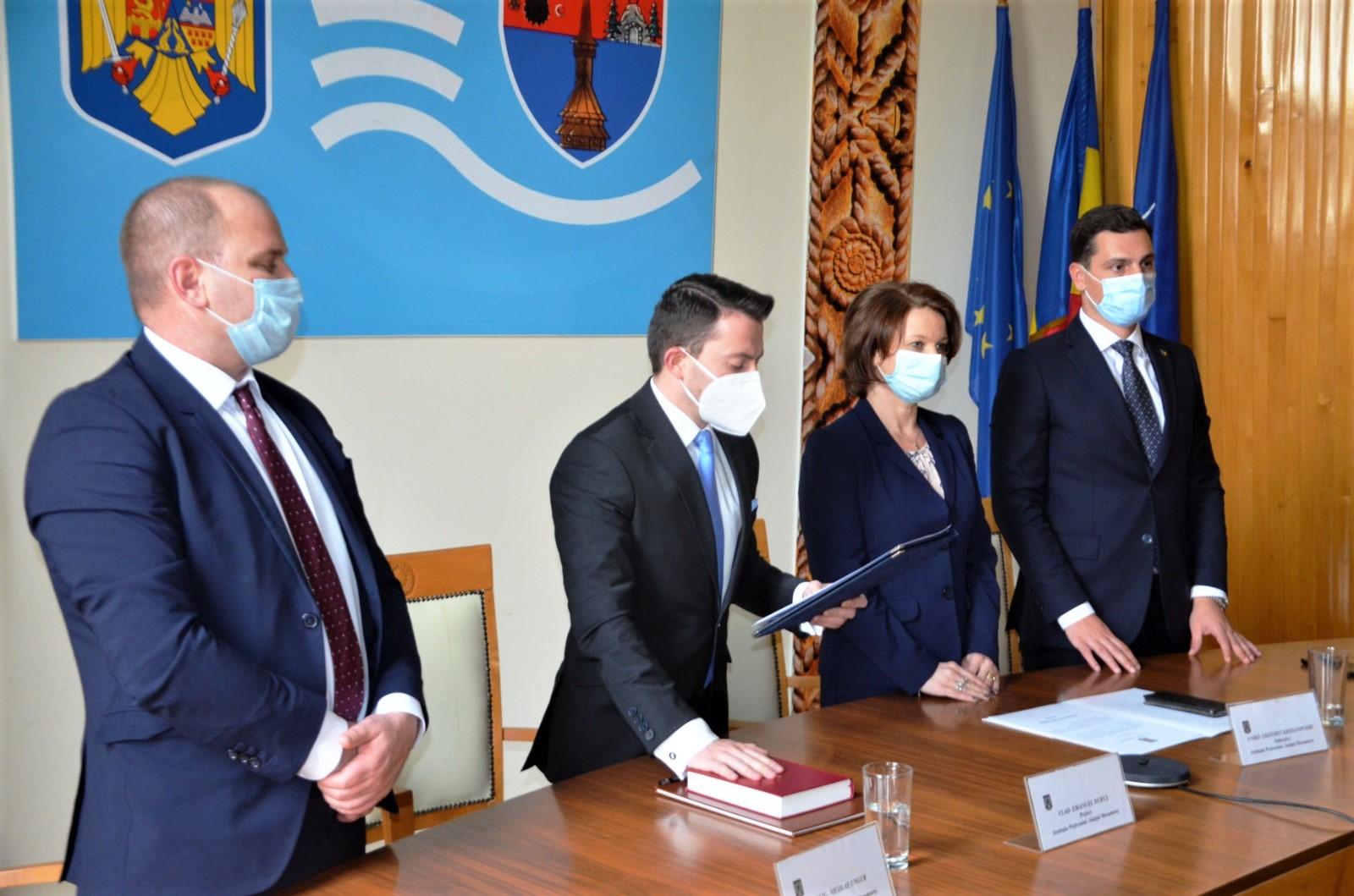 Ceremonie de investire în funcția de prefect și subprefect al județului Maramureș